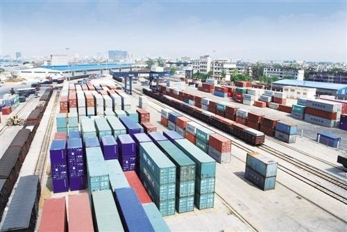 《铁路专用线运输在港口和大型物流园区的运用》
